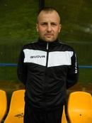 Mariusz Musia�